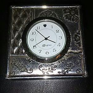 Brighton Travel Clock